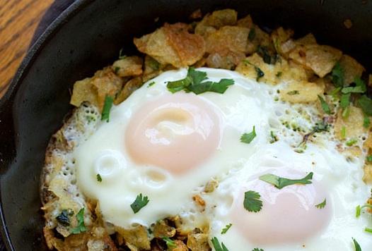 Fried Eggs on Potato Chips